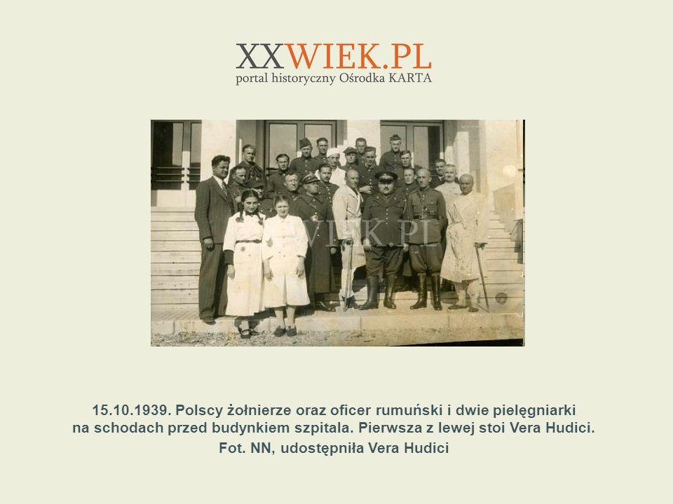15.10.1939. Polscy żołnierze oraz oficer rumuński i dwie pielęgniarki
