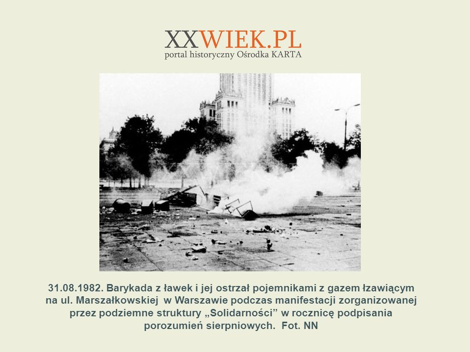 na ul. Marszałkowskiej w Warszawie podczas manifestacji zorganizowanej