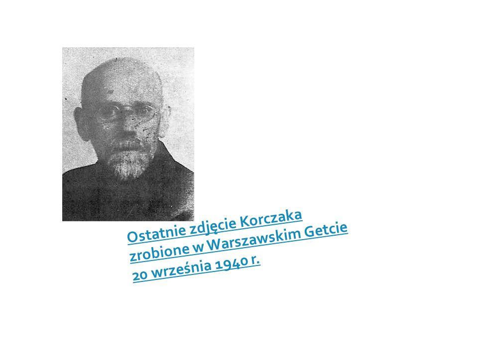 Ostatnie zdjęcie Korczaka zrobione w Warszawskim Getcie 20 września 1940 r.