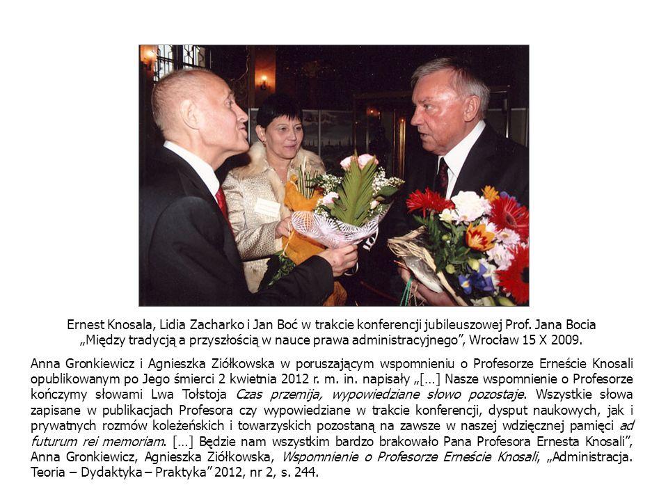 Ernest Knosala, Lidia Zacharko i Jan Boć w trakcie konferencji jubileuszowej Prof. Jana Bocia