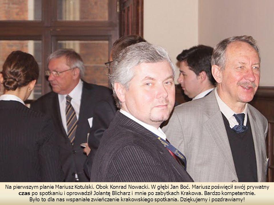 Na pierwszym planie Mariusz Kotulski. Obok Konrad Nowacki