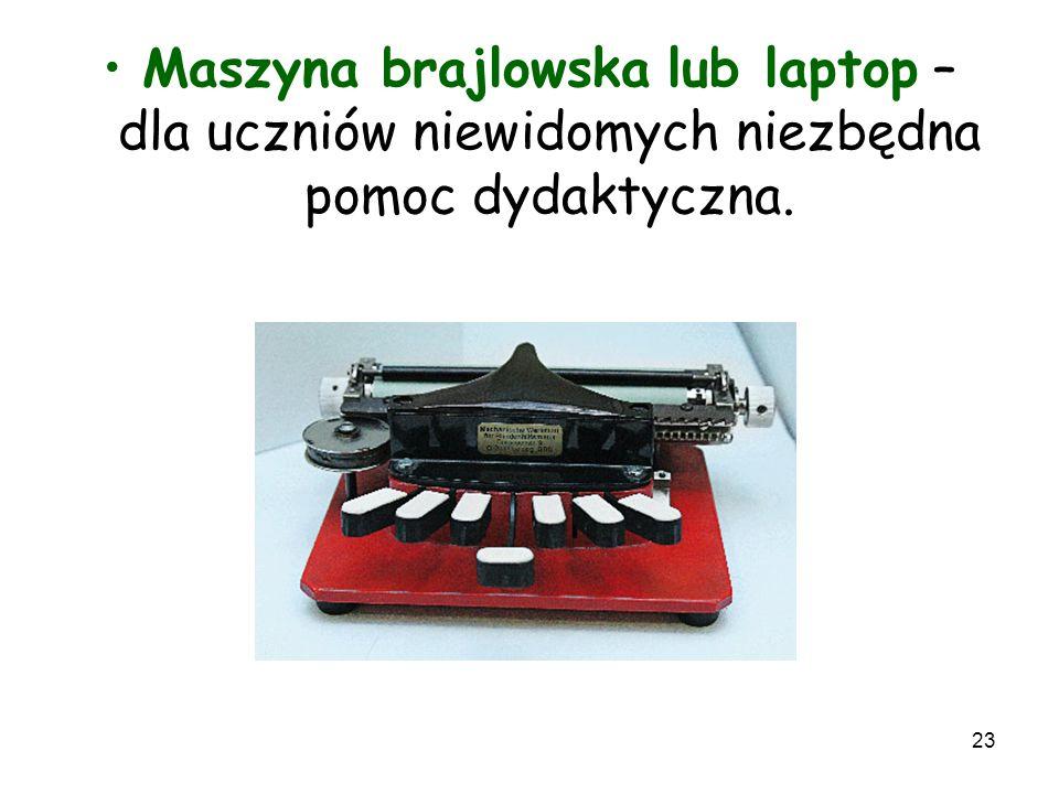 Maszyna brajlowska lub laptop – dla uczniów niewidomych niezbędna pomoc dydaktyczna.
