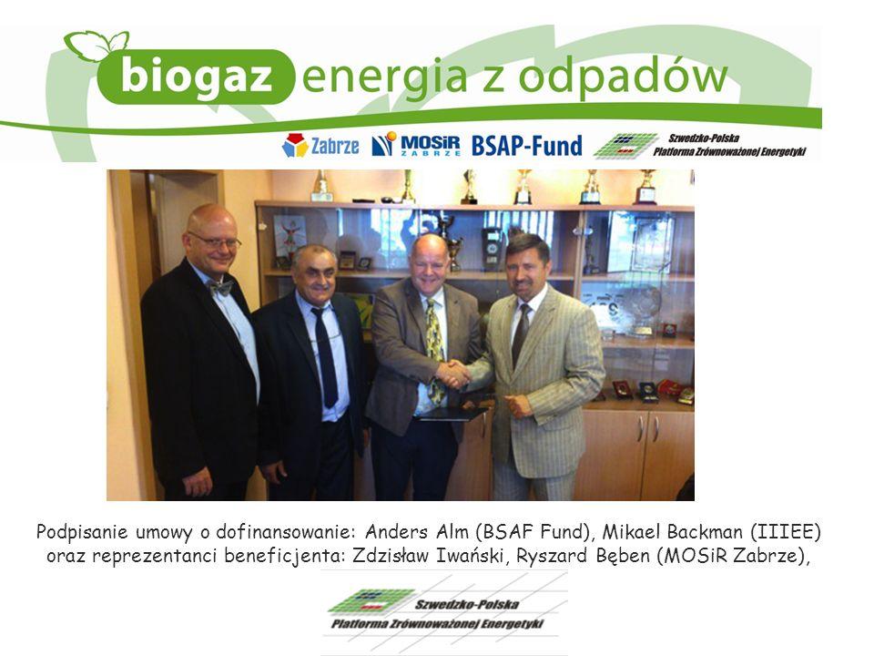 Podpisanie umowy o dofinansowanie: Anders Alm (BSAF Fund), Mikael Backman (IIIEE)