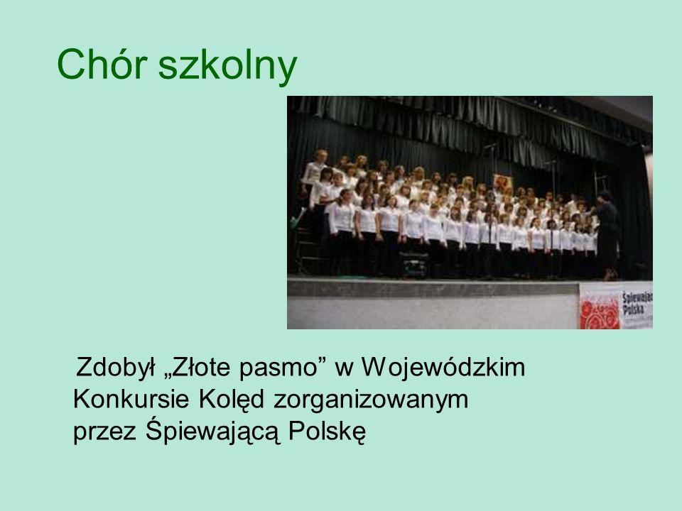 """Chór szkolny Zdobył """"Złote pasmo w Wojewódzkim Konkursie Kolęd zorganizowanym przez Śpiewającą Polskę."""