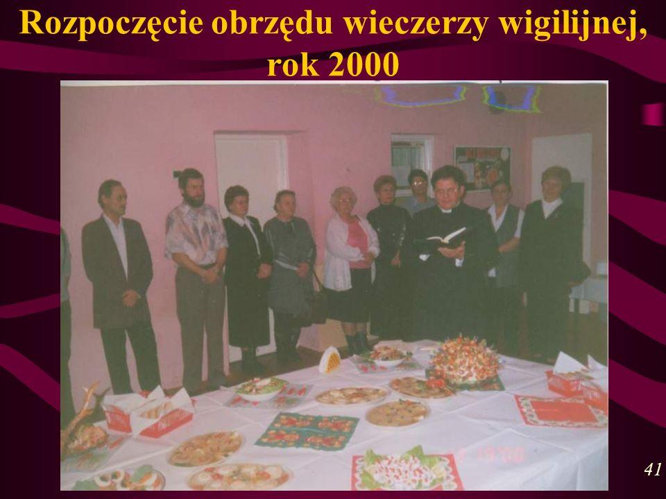 Rozpoczęcie obrzędu wieczerzy wigilijnej, rok 2000