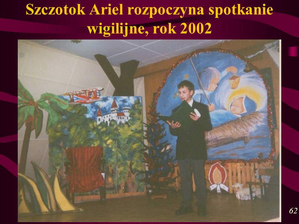 Szczotok Ariel rozpoczyna spotkanie wigilijne, rok 2002