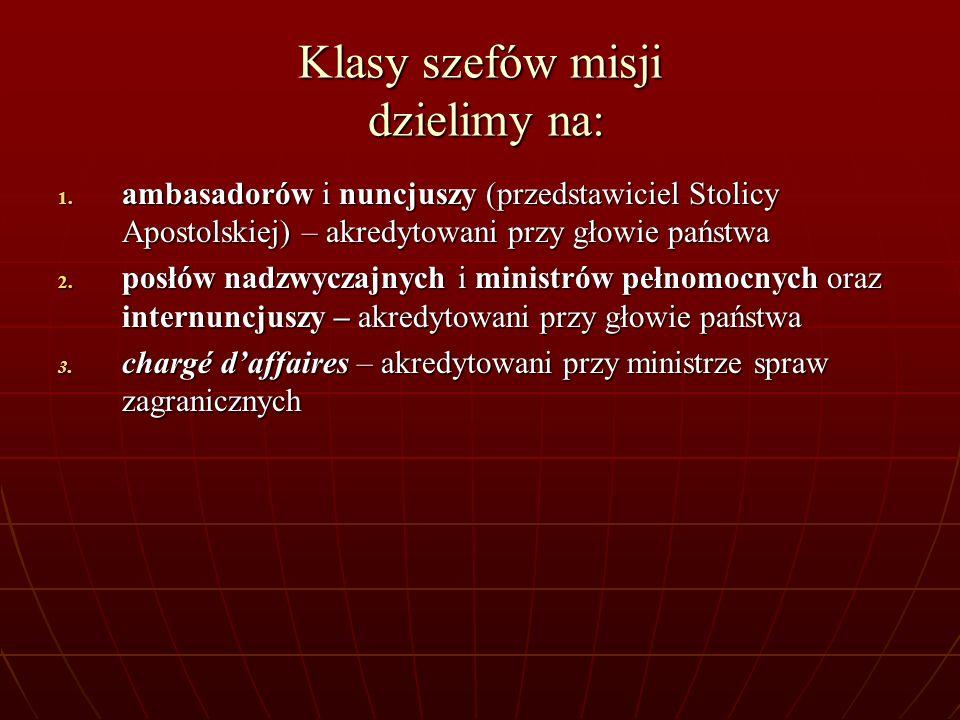 Klasy szefów misji dzielimy na: