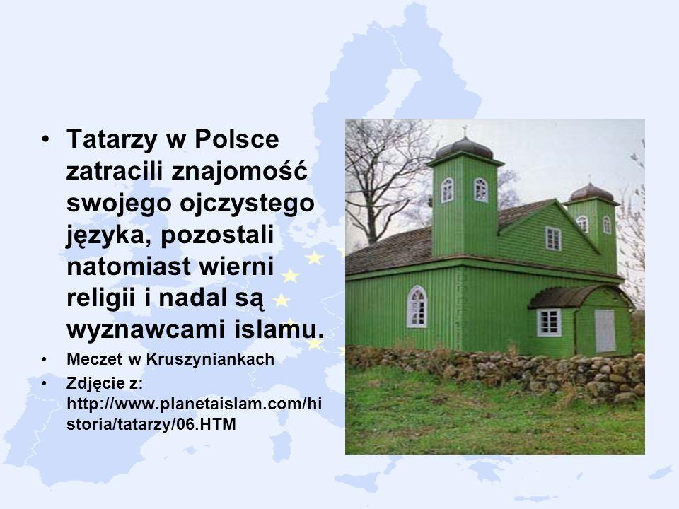 Tatarzy w Polsce zatracili znajomość swojego ojczystego języka, pozostali natomiast wierni religii i nadal są wyznawcami islamu.