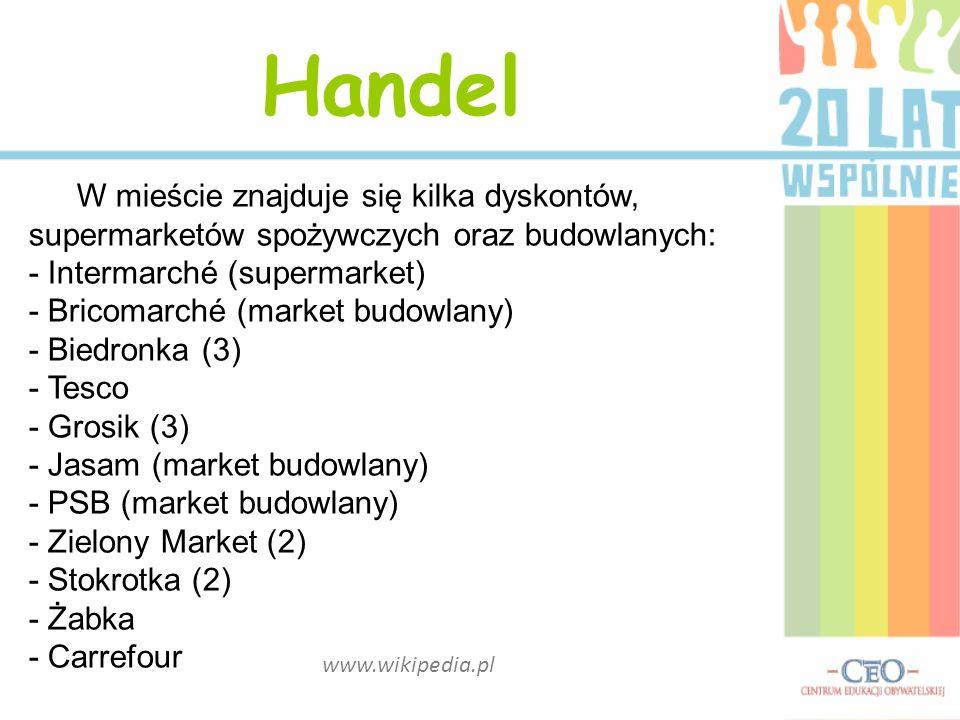 Handel W mieście znajduje się kilka dyskontów, supermarketów spożywczych oraz budowlanych: - Intermarché (supermarket)