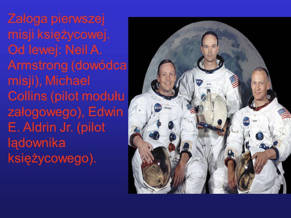 Załoga pierwszej misji księżycowej. Od lewej: Neil A