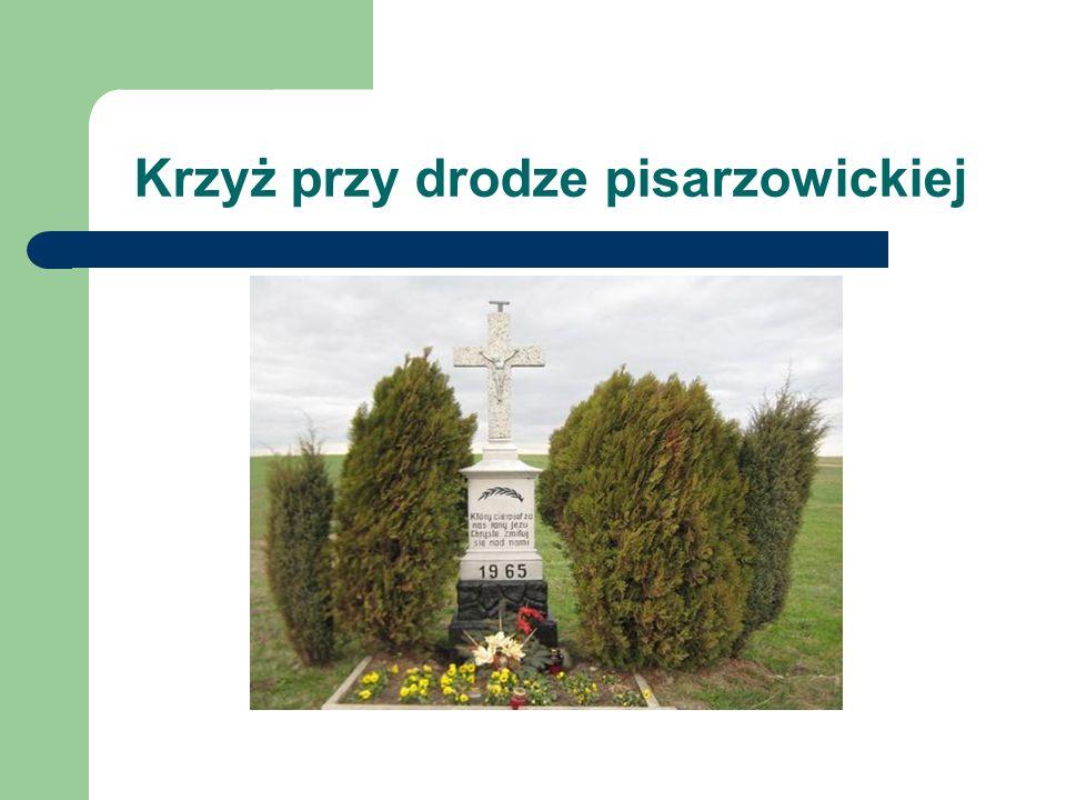 Krzyż przy drodze pisarzowickiej