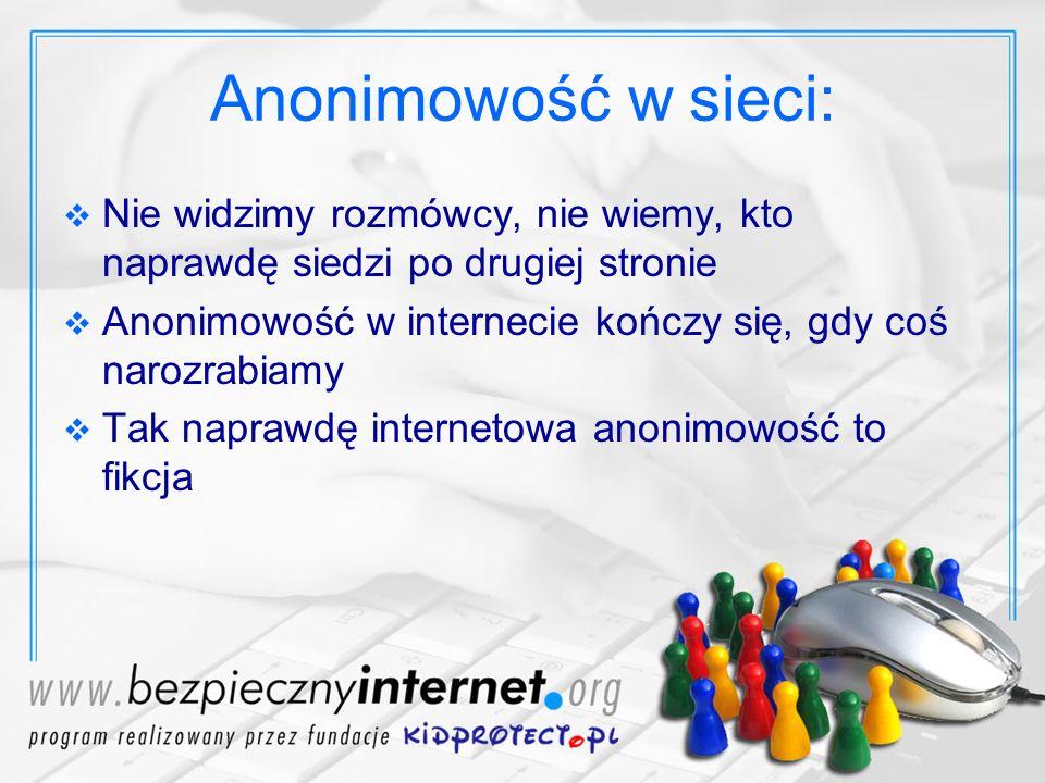 Anonimowość w sieci: Nie widzimy rozmówcy, nie wiemy, kto naprawdę siedzi po drugiej stronie.