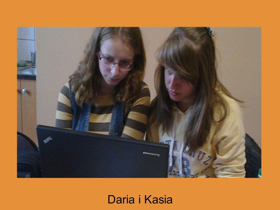 (zdjęcia przedstawiające dziewczyny pracujące przy laptopach) trzeba zrobić : )