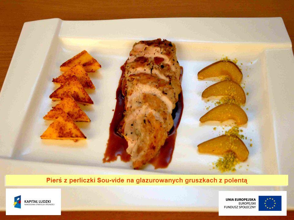 Pierś z perliczki Sou-vide na glazurowanych gruszkach z polentą