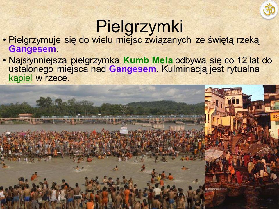 PielgrzymkiPielgrzymuje się do wielu miejsc związanych ze świętą rzeką Gangesem.