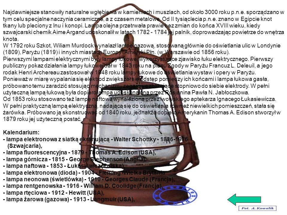 Najdawniejsze stanowiły naturalne wgłębienia w kamieniach i muszlach, od około 3000 roku p.n.e. sporządzano w tym celu specjalne naczynia ceramiczne, a z czasem metalowe. Od II tysiąclecia p.n.e. znano w Egipcie knot tkany lub pleciony z lnu i konopi. Lampa olejna przetrwała prawie bez zmian do końca XVIII wieku, kiedy szwajcarski chemik Aime Argand udoskonalił w latach 1782 - 1784 jej palnik, doprowadzając powietrze do wnętrza knota.