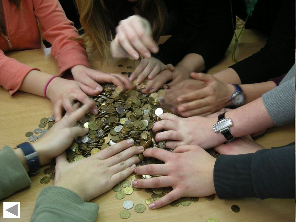 Góra grosza Co roku organizowane są zbiórki pieniędzy, a dokładniej groszy, jak zresztą sama nazwa wskazuje.