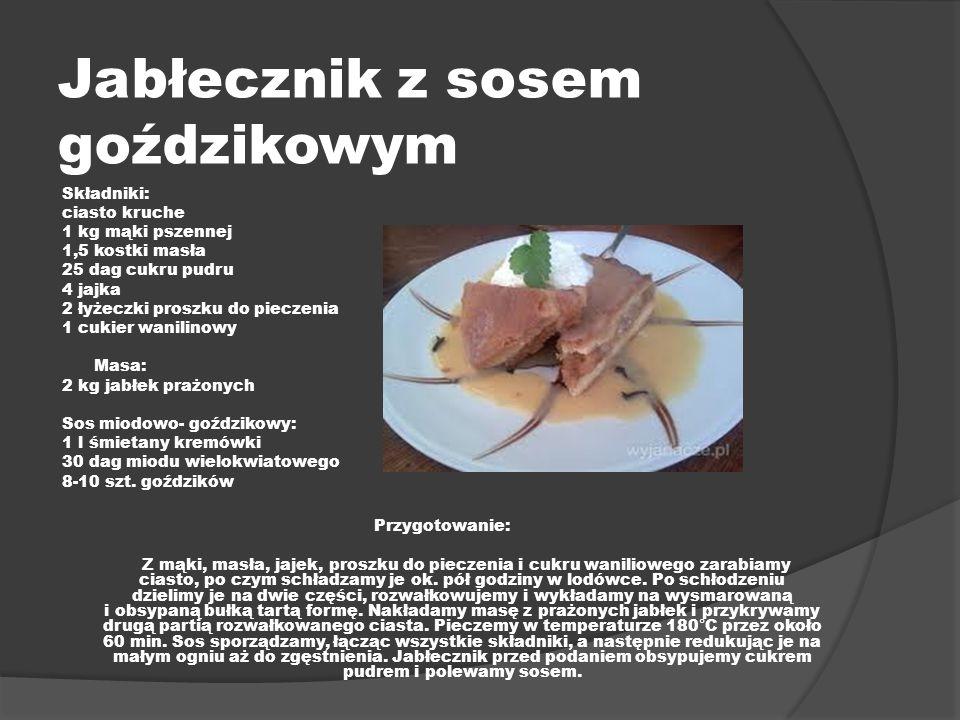 Jabłecznik z sosem goździkowym