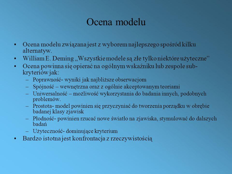Ocena modelu Ocena modelu związana jest z wyborem najlepszego spośród kilku alternatyw.