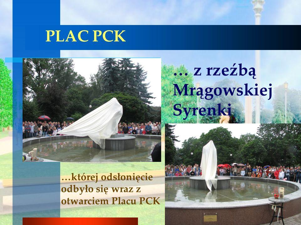 … z rzeźbą Mrągowskiej Syrenki