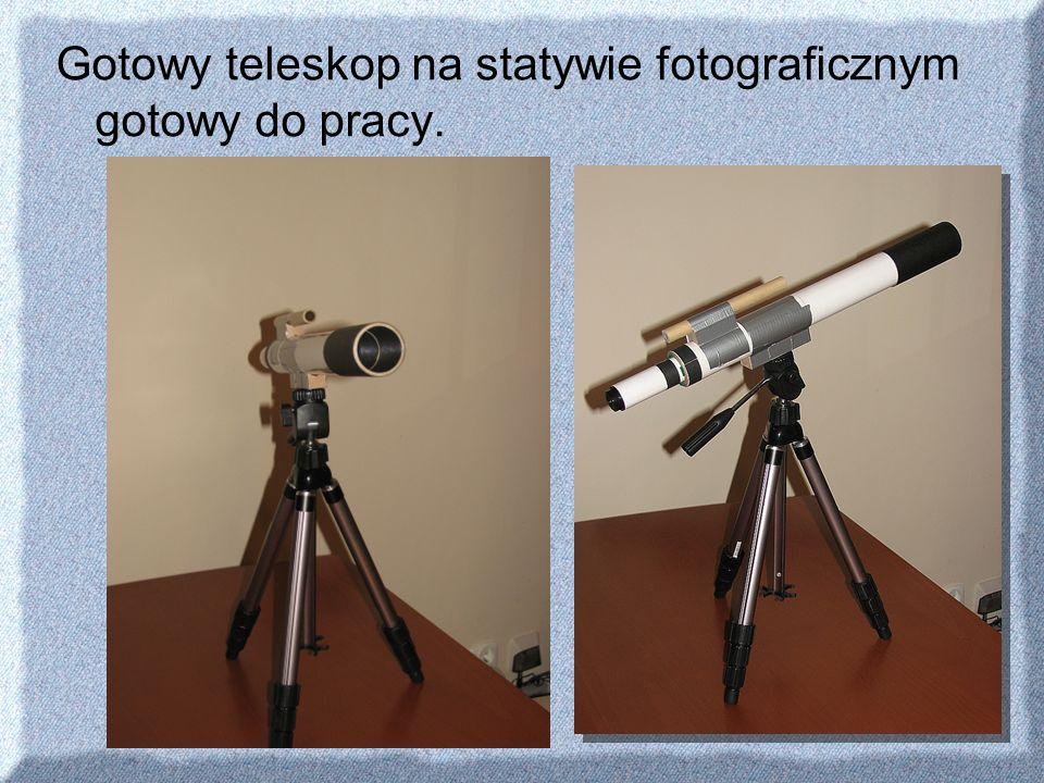 Gotowy teleskop na statywie fotograficznym gotowy do pracy.