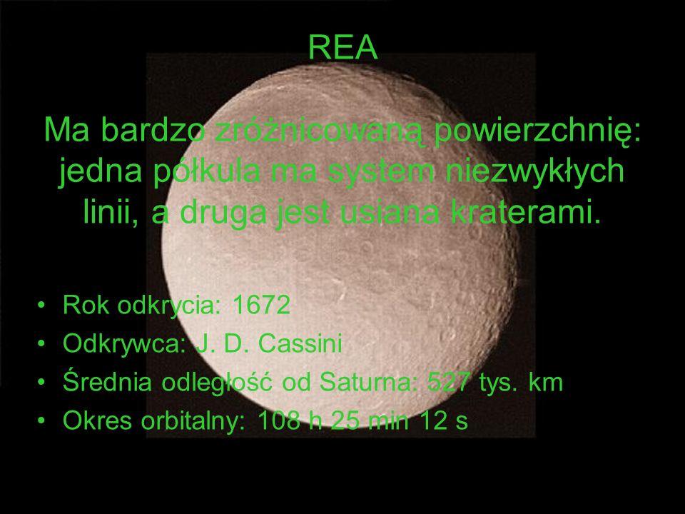 REA Ma bardzo zróżnicowaną powierzchnię: jedna półkula ma system niezwykłych linii, a druga jest usiana kraterami.