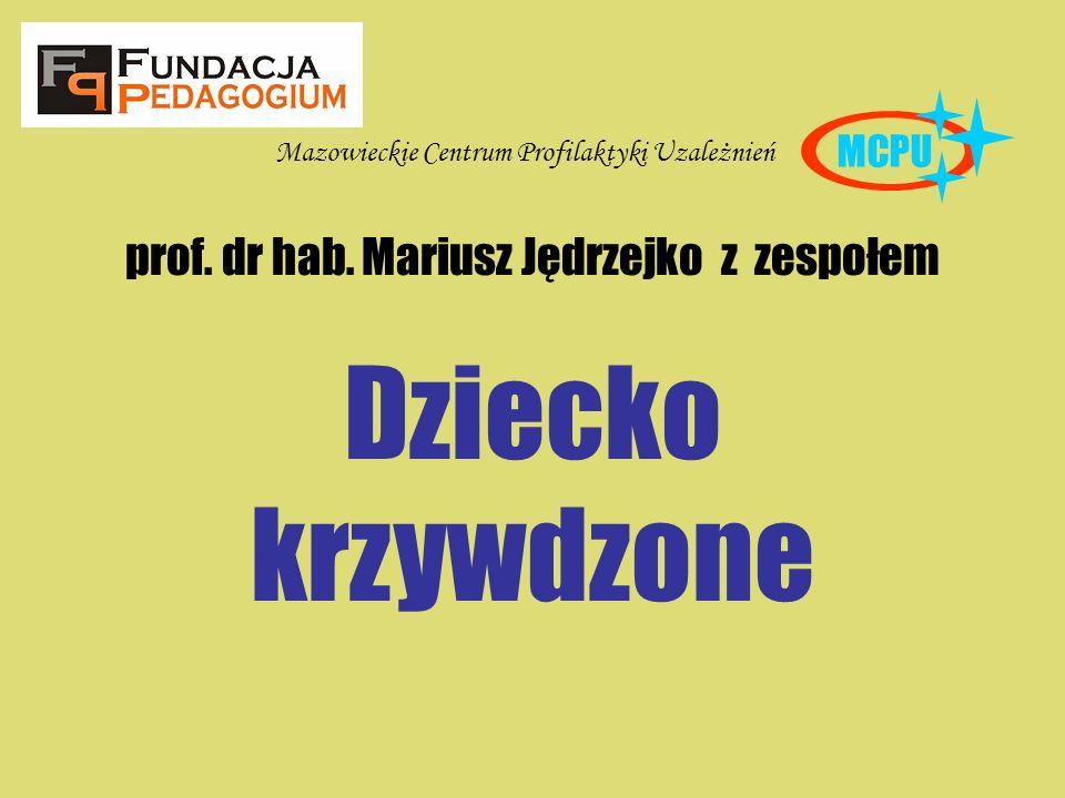 prof. dr hab. Mariusz Jędrzejko z zespołem