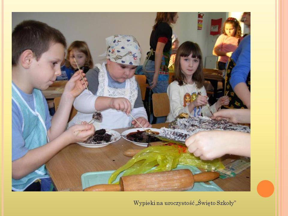 """Wypieki na uroczystość """"Święto Szkoły"""