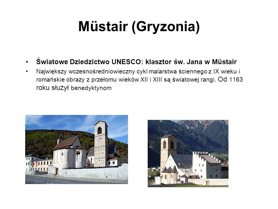 Müstair (Gryzonia)Światowe Dziedzictwo UNESCO: klasztor św. Jana w Müstair.