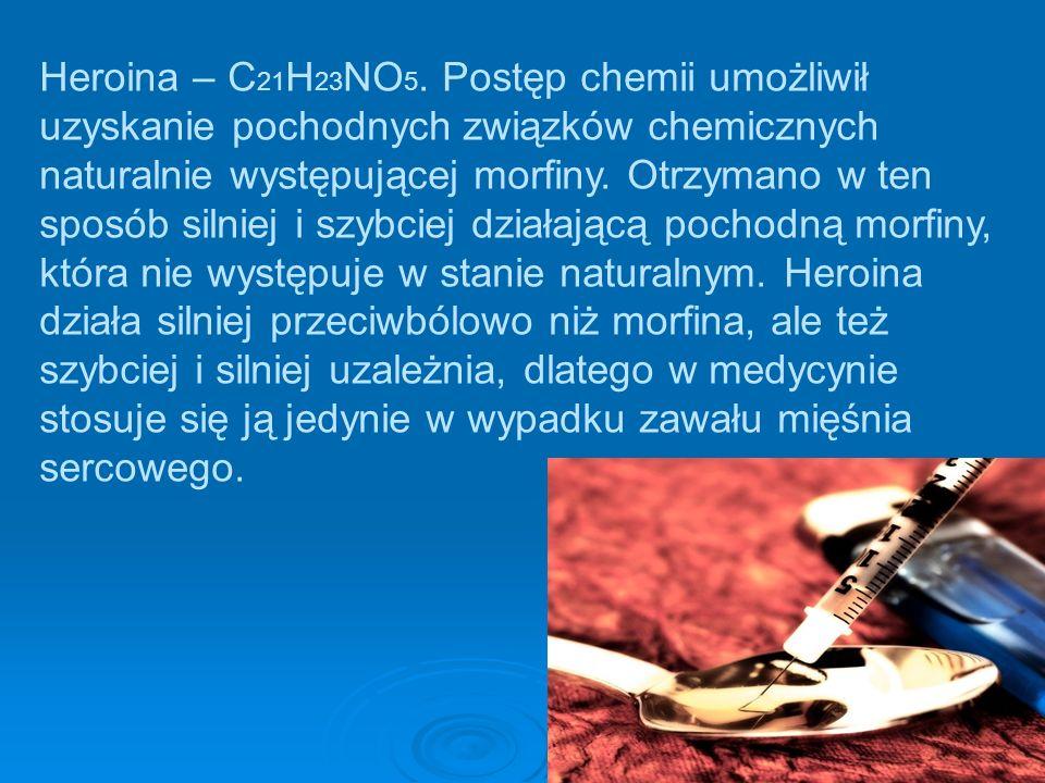 Heroina – C21H23NO5.