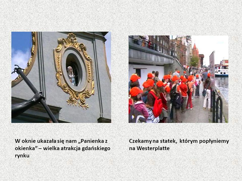 """W oknie ukazała się nam """"Panienka z okienka – wielka atrakcja gdańskiego rynku"""