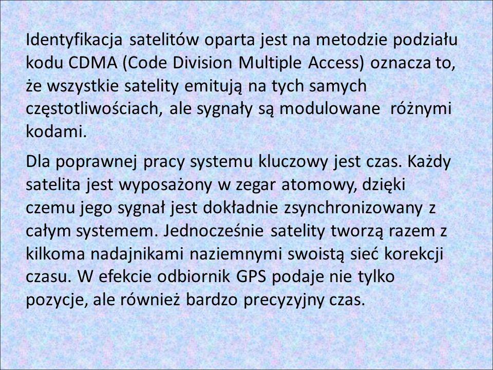 Identyfikacja satelitów oparta jest na metodzie podziału kodu CDMA (Code Division Multiple Access) oznacza to, że wszystkie satelity emitują na tych samych częstotliwościach, ale sygnały są modulowane różnymi kodami.