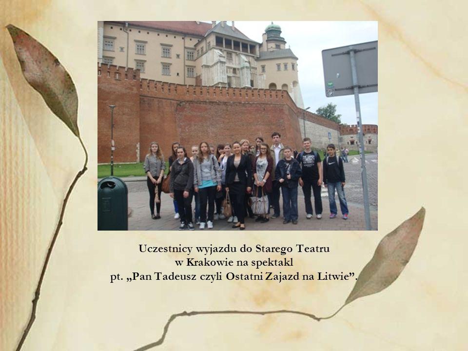 Uczestnicy wyjazdu do Starego Teatru w Krakowie na spektakl
