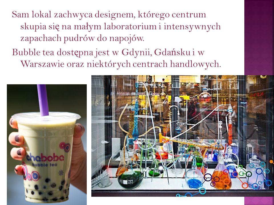 Sam lokal zachwyca designem, którego centrum skupia się na małym laboratorium i intensywnych zapachach pudrów do napojów.