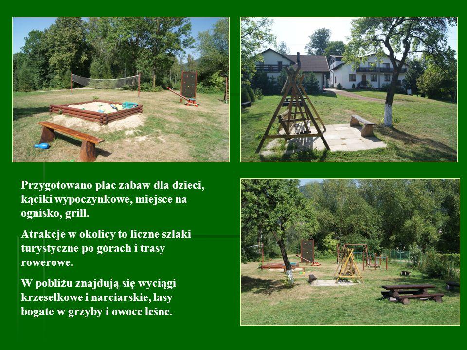 Przygotowano plac zabaw dla dzieci, kąciki wypoczynkowe, miejsce na ognisko, grill.