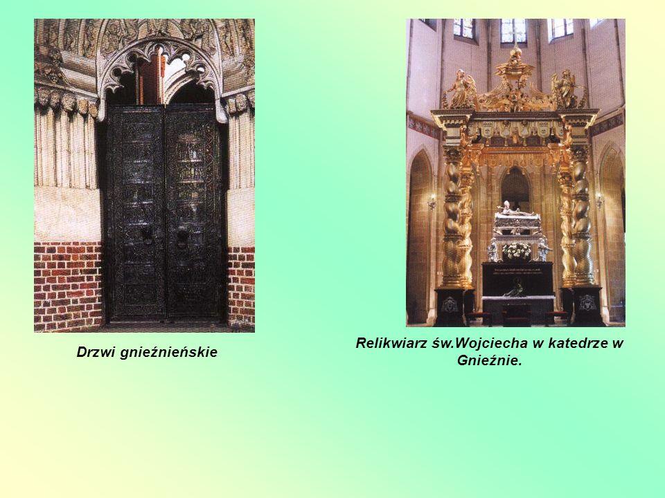 Relikwiarz św.Wojciecha w katedrze w Gnieźnie.
