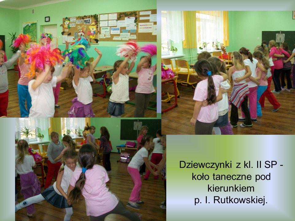Dziewczynki z kl. II SP - koło taneczne pod kierunkiem