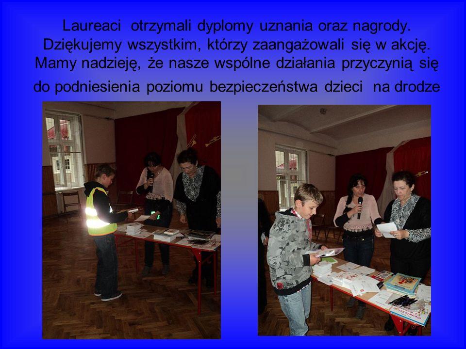 Laureaci otrzymali dyplomy uznania oraz nagrody