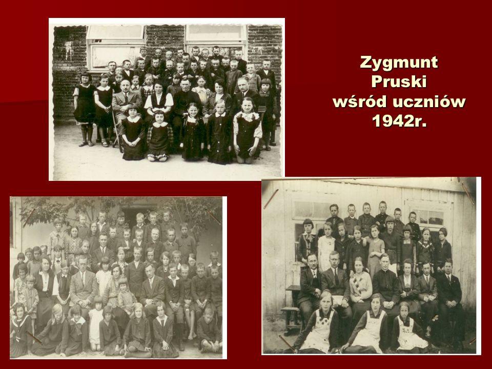 Zygmunt Pruski wśród uczniów 1942r.