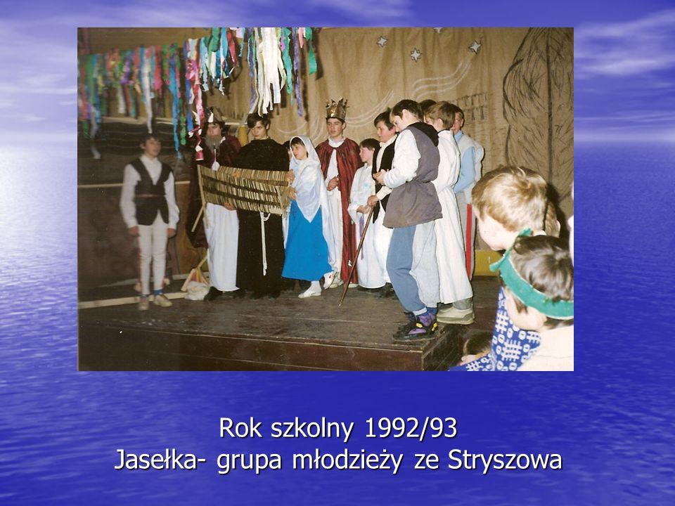 Rok szkolny 1992/93 Jasełka- grupa młodzieży ze Stryszowa