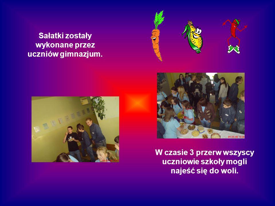 Sałatki zostały wykonane przez uczniów gimnazjum.
