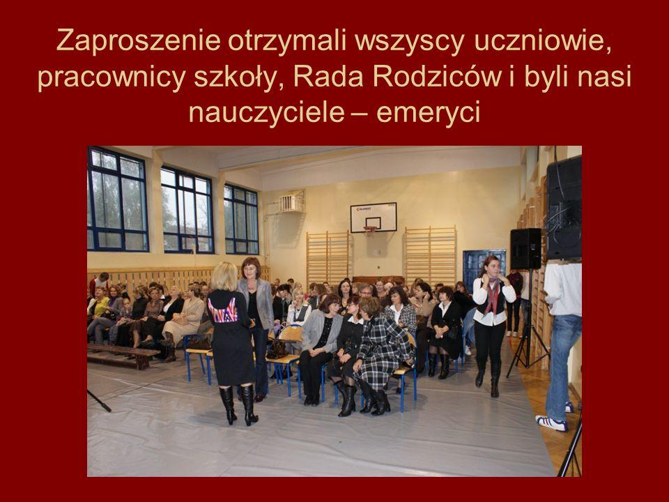 Zaproszenie otrzymali wszyscy uczniowie, pracownicy szkoły, Rada Rodziców i byli nasi nauczyciele – emeryci