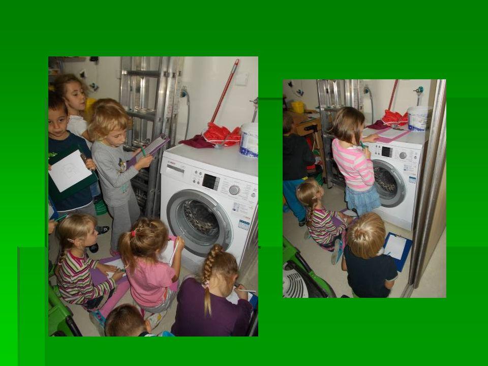 Odpowiadaliśmy na pytanie, z jakich elementów składa się pralka, a następnie uczyliśmy się prac ręcznie.
