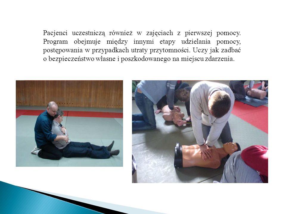 Pacjenci uczestniczą również w zajęciach z pierwszej pomocy