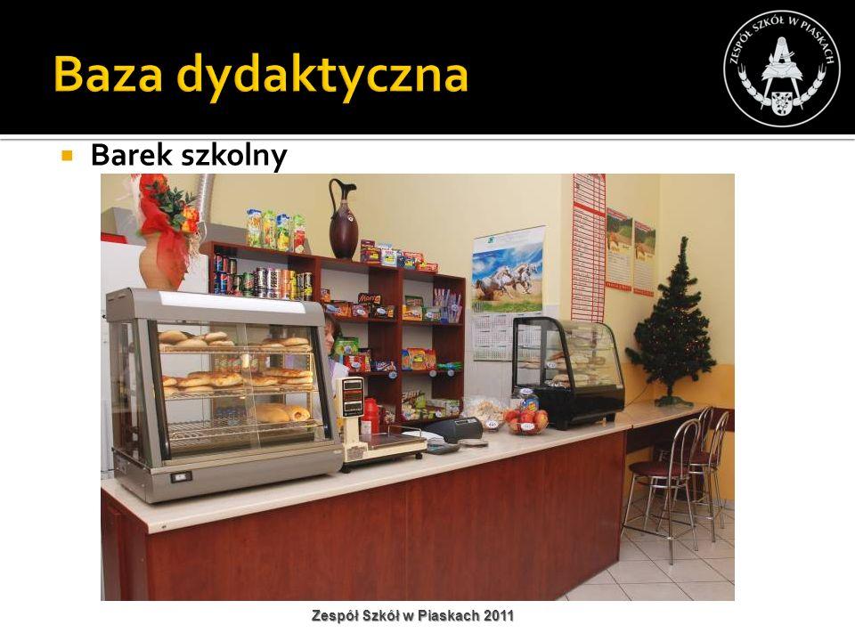 Baza dydaktyczna Barek szkolny Zespół Szkół w Piaskach 2011
