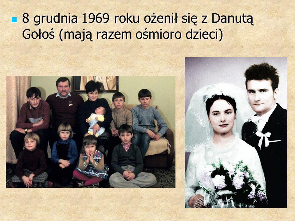 8 grudnia 1969 roku ożenił się z Danutą Gołoś (mają razem ośmioro dzieci)