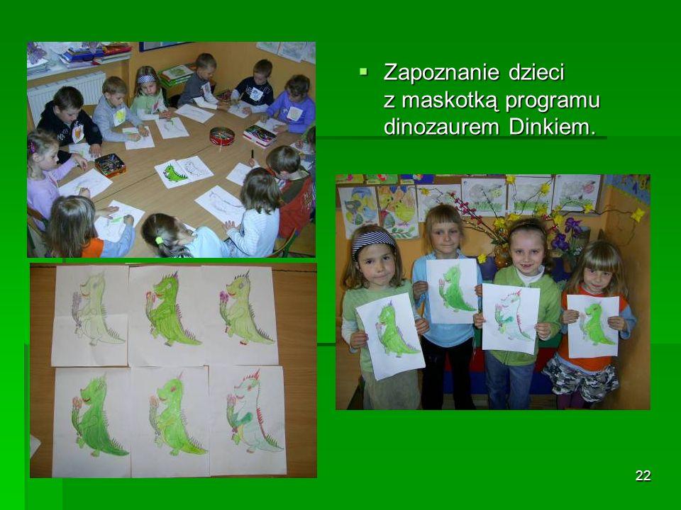 Zapoznanie dzieci z maskotką programu dinozaurem Dinkiem.