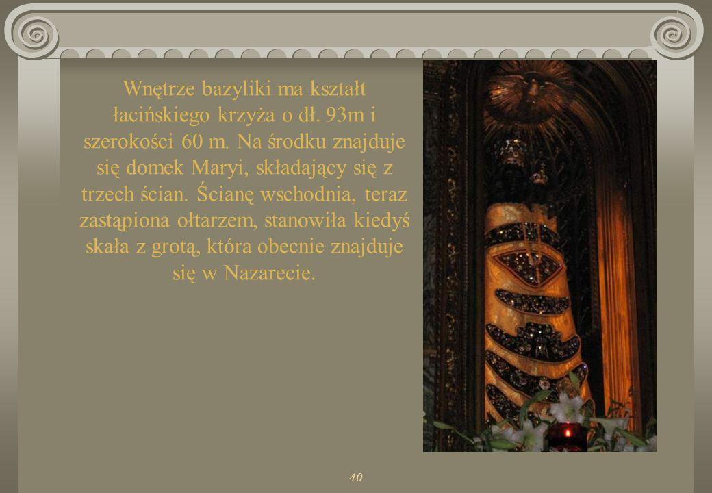 Wnętrze bazyliki ma kształt łacińskiego krzyża o dł