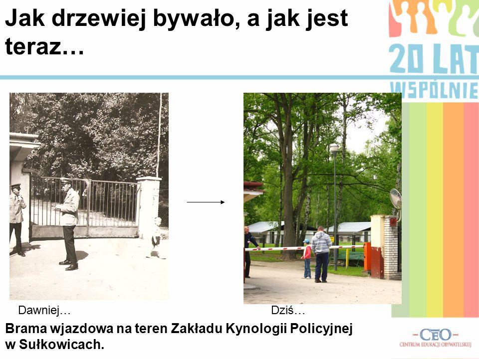 Brama wjazdowa na teren Zakładu Kynologii Policyjnej w Sułkowicach.