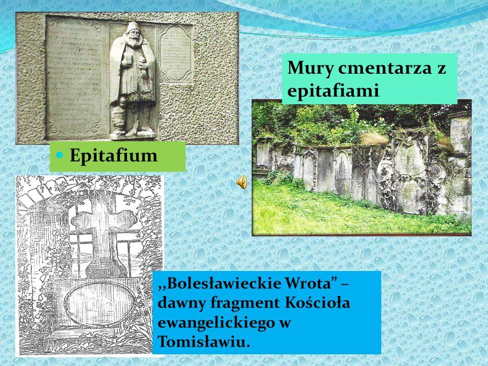 Mury cmentarza z epitafiami
